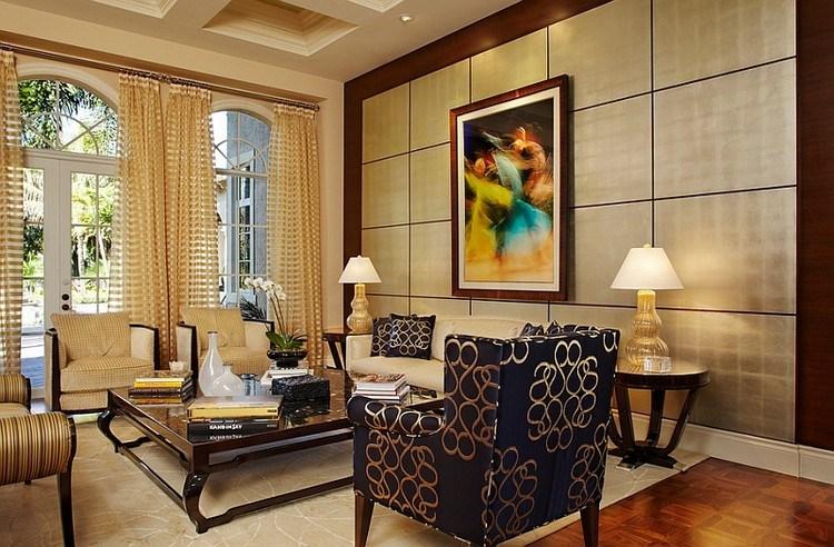 Gorden hotel berupa sheer curtain dengan motif